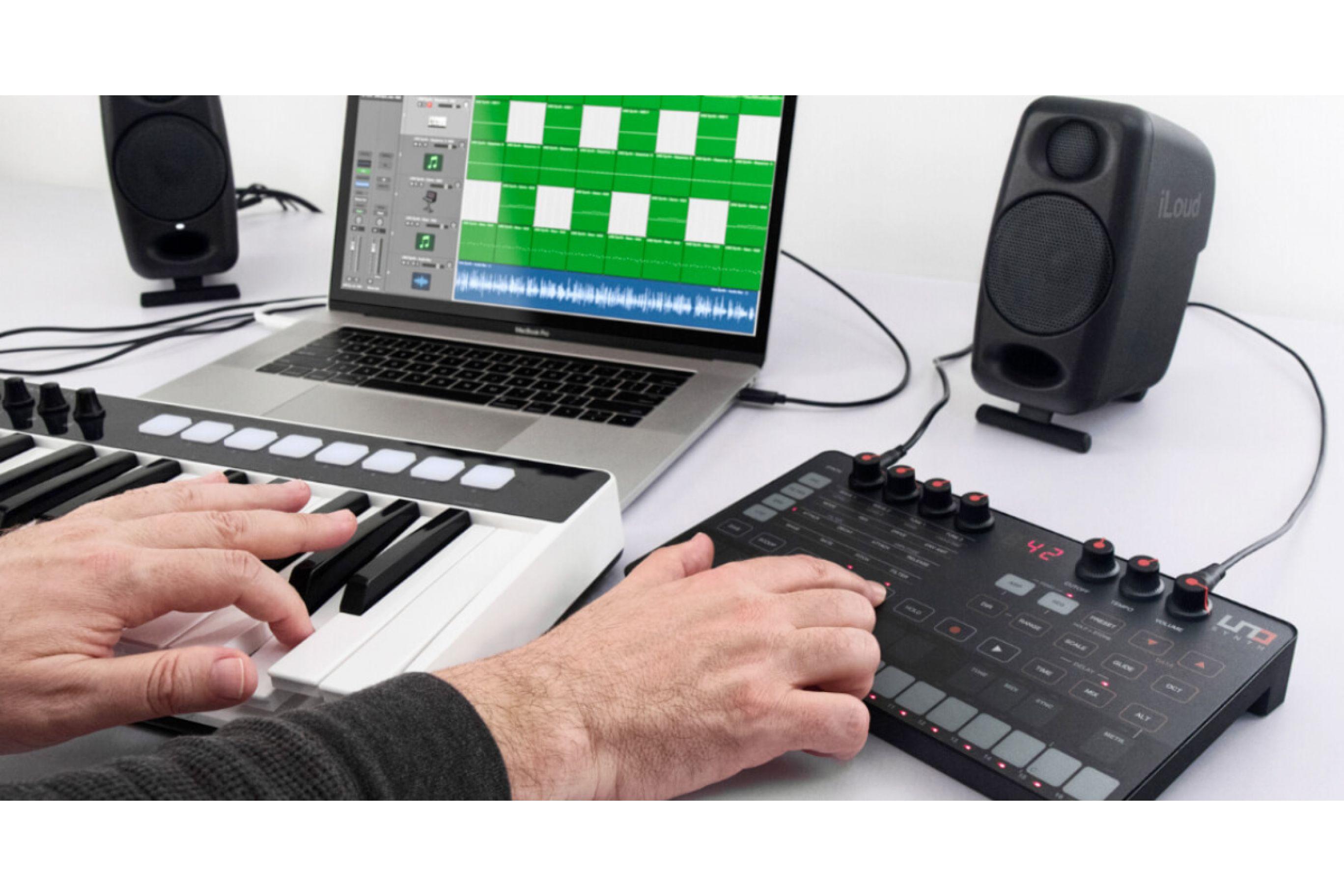 IK Multimedia | UNO Synth - Sintetizzatore Analogico