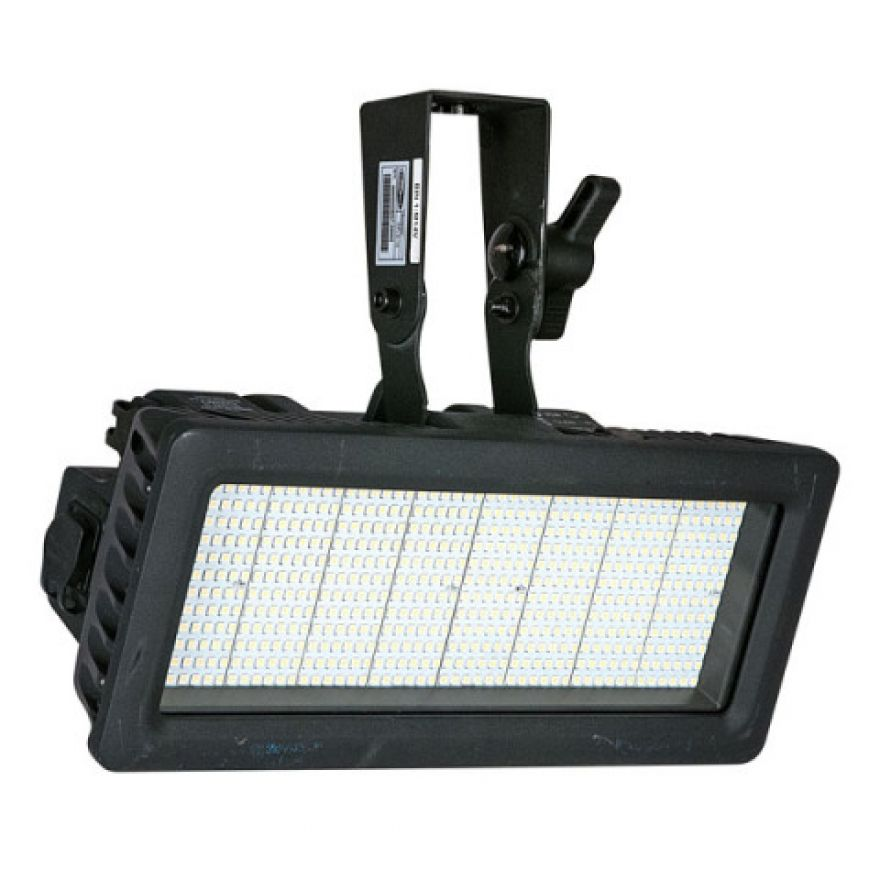 SHOWTEC INFINITY XPLO-15 - Strobo a LED_front