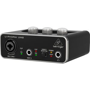 BEHRINGER UM2 Interfaccia audio 2x2 USB con preamp microfonico +48v e software