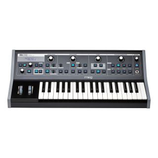 0-MOOG Little Phatty II con
