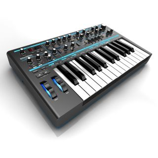 0-NOVATION Bass Station II