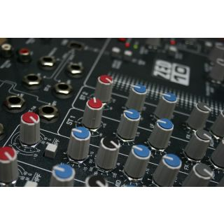 2-ALLEN & HEATH ZED10 Mixer