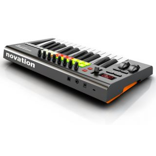 2-NOVATION Launchkey 25