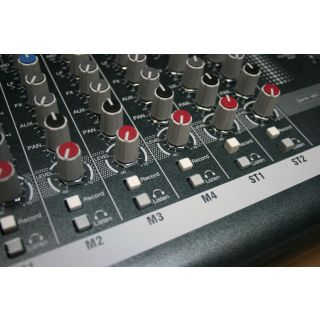 4-ALLEN & HEATH ZED10 Mixer