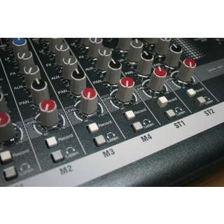 4-ALLEN & HEATH ZED10 Mixer