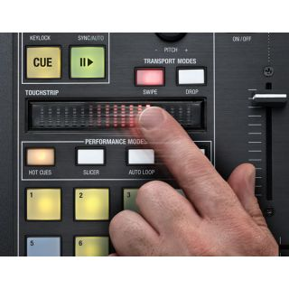 4-NOVATION TWITCH - CONTROL