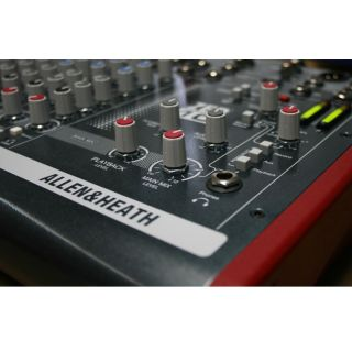 5-ALLEN & HEATH ZED10 Mixer