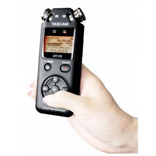 5-TASCAM DR05 V2 + MicroSD