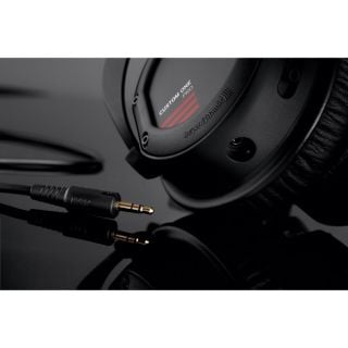 Beyerdynamic Custom One Pro Plus laterale