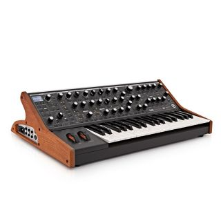 Moog Subsequent 37 - Sintetizzatore Analogico Parafonico 37 Tasti08