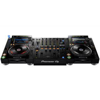 Pioneer 2 x CDJ2000 NXS2 + DJM900 NXS2